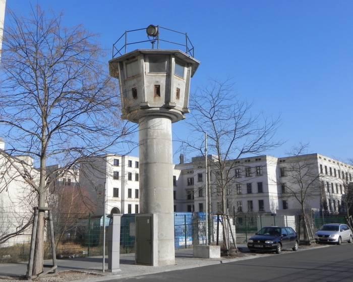 grenzturm berlin mitte leipziger platz bundesrat abgeordnetenhaus bauwerk. Black Bedroom Furniture Sets. Home Design Ideas