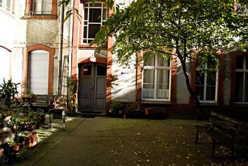 eastside pension sch nhauser allee 41 10435 berlin hostel pension. Black Bedroom Furniture Sets. Home Design Ideas